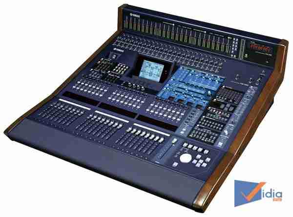 Mixer chuyên nghiệp YamahaDM 2000 VCM