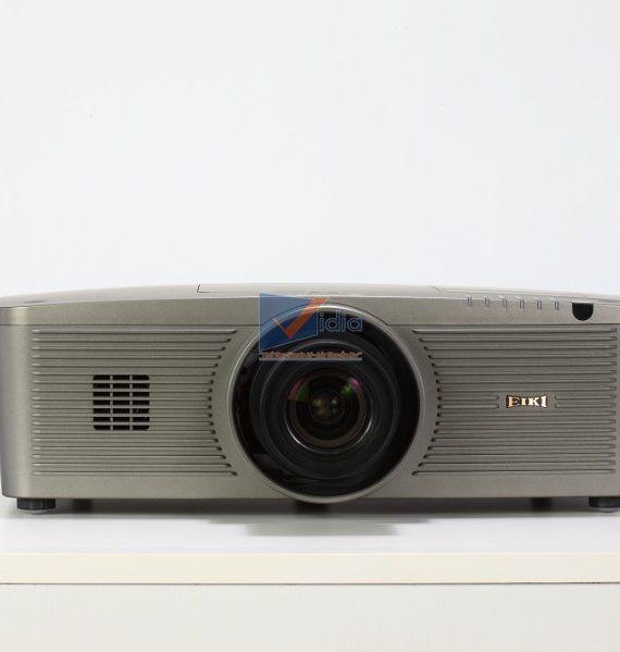 Proj ector EIKI LC-XL200L